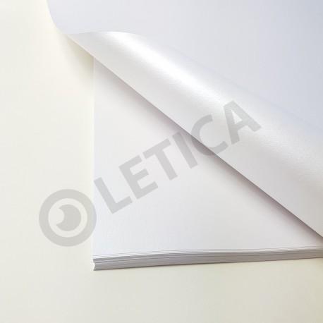 Papier ozdobny Biała Perła A4 125g / 8 arkuszy w kpl.